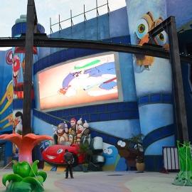 儿童乐园曲面屏幕